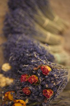 Rose craft -  Dried roses and lavender ... a match made in heaven!