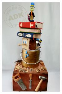 Making of Pinocchio? This is so original I love it! #pinocchio #disneycake