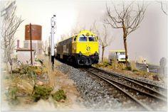Módulo castellano invernal. Trenes. Escala H0.  Locomotora diesel 333 RENFE. Escala H0.