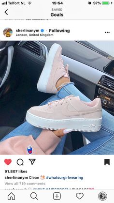 sports shoes 1779b fc23b Cute Sneakers, Cute Shoes, Shoes Sneakers, Shoes Heels, Me Too Shoes,  Modische Outfits, New Shoes, Crazy Shoes, Tumblr Outfits