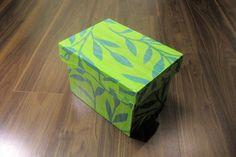 デコ茶箱シリーズです。濃淡のシンプルなグリーンリーフがみずみずしく落ち着いた印象です。|ハンドメイド、手作り、手仕事品の通販・販売・購入ならCreema。