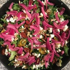 Amazingly delicious mixed salad with pickled red onions, . Veggie Recipes, Mexican Food Recipes, Real Food Recipes, Salad Recipes, Vegetarian Recipes, Healthy Dishes, Healthy Dinner Recipes, Pickled Red Onions, Vegan Meal Prep