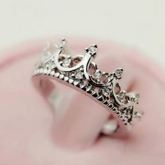 Fashion Vintage Cutout Crown Design Cubic Zirconia Women's Ring-USD$ 21.95