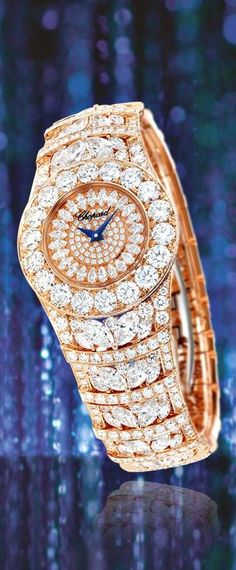 Chopard L'Heure du Diamant- A winner at the Grand Prix d'Horlogerie de Genève 2013 diamond watch Ring Armband, Hand Watch, Fashion Moda, Beautiful Watches, High Jewelry, Grand Prix, Diamond Are A Girls Best Friend, Luxury Watches, Diamond Jewelry