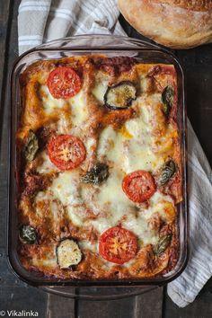 Rustic Three Cheese Lasagna- Fresh Mozzarella, Parmesan and Smoked Gouda make this lasagna absolutely irresistible!