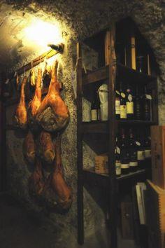 Prosciutto San Daniele, Friuli, Italy - Seasoning (ph. Gino Cianci - fototeca Enit)