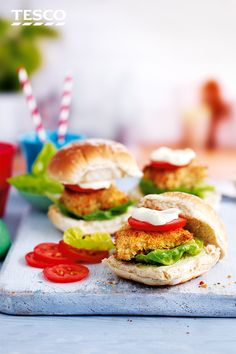 Get the kids cooking with these simple and delicious baked fish burgers. For more kid's recipes and family dinner inspiration, head to Tesco Real Food. Easy Meals For Kids, Dinner Recipes For Kids, Easy Food To Make, Kids Meals, Burger Recipes, Homemade Chicken Nuggets, Fish Burger, Tesco Real Food