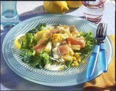 Pikanter Lachssalat Rezept | LECKER Chicken, Meat, Food, Salads, Popular Recipes, Eten, Meals, Cubs, Kai
