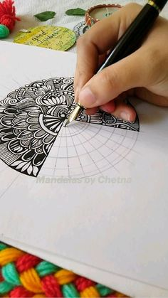 Mandala Art Therapy, Mandala Art Lesson, Mandala Artwork, Doodle Art Drawing, Mandala Drawing, Mandala Sketch, Art Drawings Sketches Simple, Colorful Drawings, Doodle Art Designs