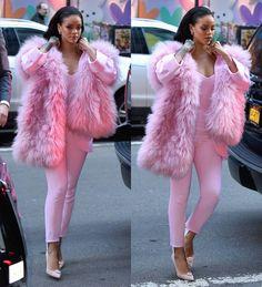 rihanna in a pink Pascal Millet pantsuit. Moda Rihanna, Rihanna Mode, Rihanna Style, Rihanna Fenty, Rhianna Fashion, Rihanna Outfits, Celebrity Outfits, Celebrity Style, Ghetto Outfits