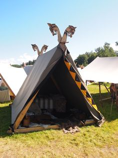 I am so bored with the Oseberg bed frame tent pole heads, but I LOVE the lining on the tent door.