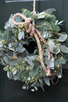 - Apocalypse Now And Then Christmas Mood, Christmas Wreaths, Christmas Decorations, Xmas, Holiday Decor, Diy For Teens, Crafts For Teens, Modern Flower Arrangements, Dollar Store Christmas