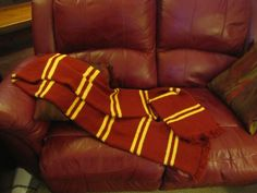 Here's the pattern for the Harry Potter scarf that I made (and designed). Supplies: 3 skeins of red yarn (I used Caron Simply soft Autumn Red), 1 skein of yellow yarn (I used Caron Simply soft Suns...