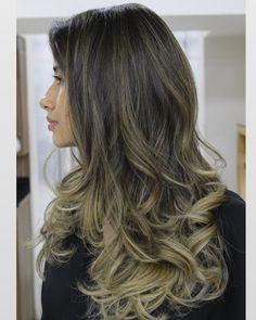 "1,036 curtidas, 26 comentários - ⠀⠀⠀⠀⠀⠀⠀⠀⠀⠀Peter Menezes (@petermenezes) no Instagram: ""✨✨✨"" Hair Coloring, Hair Ideas, Highlights, Wellness, Long Hair Styles, Makeup, Beauty, Instagram, Shaved Hair"
