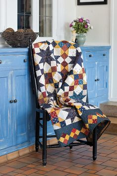 Diane Tomlinson designed Freedom Stars especially for Love of Quilting readers. This project is fat quarter friendly and is a perfect size to donate to the Quilts of Valor Foundation.