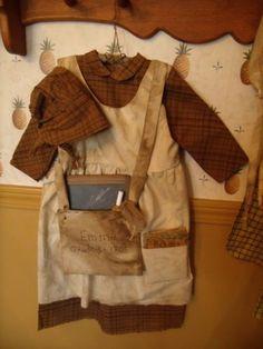 PATTERN~Prairie/school girl dress/pioneer/my primitive Primitive Doll Patterns, Primitive Folk Art, Primitive Crafts, Primitive Country, Primitive Stitchery, Primitive Christmas, Prairie School, School Girl Dress, Bonnet Pattern