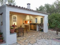 Kathy Gar's media content and analytics Spanish Style Homes, Spanish House, Patio Design, Exterior Design, Diy Outdoor Kitchen, Rustic Patio, Backyard Bar, Outdoor Living Rooms, Built In Grill
