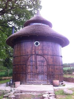 Lloyd's Blog: Barrel House With Thatched Roof..used to be cider barrel...14 ft in diameter.