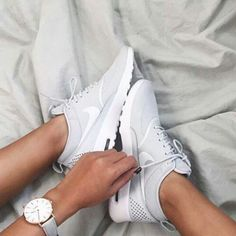 Mens/Womens Nike Shoes 2016 On Sale!Nike Air Max, Nike Shox, Nike Free Run Shoes, etc. of newest Nike Shoes for discount sale Cute Shoes, Women's Shoes, Me Too Shoes, Shoe Boots, Shoes Sneakers, Roshe Shoes, Adidas Shoes, Fall Shoes, Converse Shoes