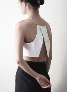 thin straps / open back