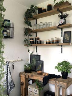 Binnenkijken bij Elske Wall Design, Floating Shelves, Bookcase, Shelving, Kitchen, House, Milan, Home Decor, Style
