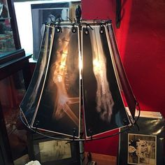 An idea for reusing old X-Ray radiography from your last accident into a futurist lampshade...maybe to not forget it