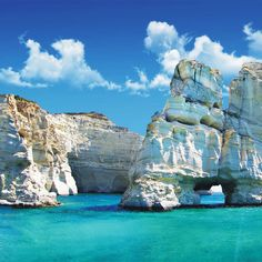Milos | Greece partez en voyage maintenant www.airbnb.fr/c/jeremyj1489
