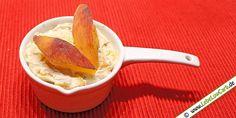 Fruchtiger Mandelquark als Dessert oder für den kleinen Hunger auf Süßes. Eine kohlenhydratarme Sünde. Vielleicht nicht für jeden Tag, aber ... :) #lowcarb Mehr Low Carb Rezepte für Süßspeisen auf http://www.lebelowcarb.de/low-carb-rezepte-fuer-suessspeisen.html