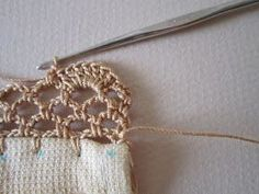 I especially like this scalloped net crochet edging for a kitchen hand towel. It… I especially like this scalloped net crochet edging for a kitchen hand towel. It has become one of my go-to edgings because it look… Crochet Edging Tutorial, Crochet Border Patterns, Crochet Boarders, Crochet Lace Edging, Crochet Edgings, Loom Patterns, Crochet Granny, Crochet Shawl, Stitch Patterns