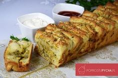 Odrywany chlebek Bread Recipes, Cooking Recipes, Polish Recipes, Food Design, Food Inspiration, Banana Bread, Tart, Grilling, Recipies