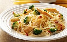 Pasta with Chicken and Broccoli and Cheese - noms Pasta Recipes, Cooking Recipes, Healthy Recipes, Cooking Ideas, Food Ideas, Italian Recipes, Mexican Food Recipes, Ethnic Recipes, Broccoli And Cheese