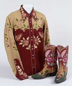 One of Roy Rogers exquisite shirts and pairs of boots. #vintage #cowboys #fashion