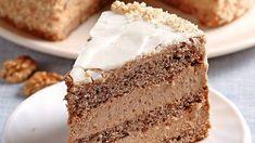 Stvorená na nedeľu: Ľahká orechová torta s kávou - Pluska.sk Torte Cake, Sweet Desserts, Vanilla Cake, Nutella, Baked Goods, Red Velvet, Mousse, Cake Recipes, Good Food