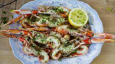 Sjøkreps med urtesmør | Godt.no Stavanger, Pavlova, Shrimp, Bbq, Meat, Ethnic Recipes, Food, Chef Recipes, Cooking