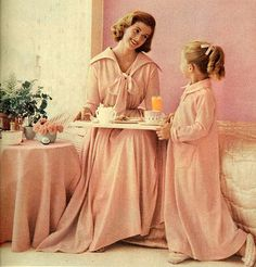 #pink #vintage #1950s #elegant #dressinggown #fifties #clothes #style #fashion #mother #daughter #morning