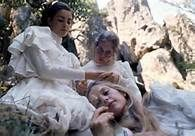 Picnic at Hanging Rock Peter Weir, 1975 Australian cinema establishes itself on the world scene Peter Weir, Picnic At Hanging Rock, Dramas, 10 Film, Out Of Touch, Girly, Film Stills, Classic Films, Picture Photo