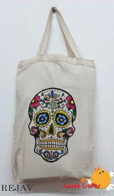 Skull Tote Bag Hermoso bolso con el diseño de una calavera al estilo mexicana. Para que lleves todas tus cosas en un precioso bolso resistente. #bolso #pintura #skull #totebag #catrina
