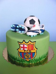 For all those soccer fans, here's a gallery of creative soccer themed cakes. Not sure how to decorate a soccer cake? Soccer Birthday Cakes, Soccer Party, Soccer Cakes, Birthday Boys, Ronaldo Birthday, Soccer Theme, Happy Birthday, Barcelona Cake, Barcelona Party