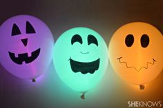 Halloween glow stick balloons - It's a kids crafts, but I want to make it too!
