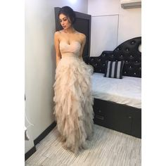 Gold Actress Mouni Roy Recently Shared Few Pictures Beautiful Bollywood Actress, Most Beautiful Indian Actress, Bollywood Girls, Bollywood Fashion, Mouni Roy Dresses, Glamour Ladies, Photoshoot Images, Indian Dresses, Indian Beauty