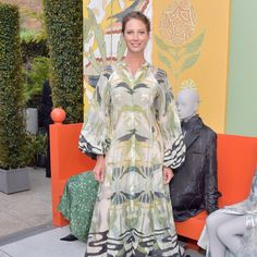 Christy turlington burns on sustainable fashion, women's health in the age of trump, and - vogue Fashion For Women Over 40, Teacher Style, Christy Turlington, Women's Fashion Dresses, Sustainable Fashion, Going Out, Vogue, Burns, Womens Fashion