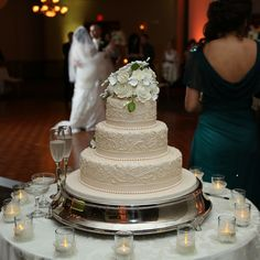 You can have your cake and eat it too! #Weddings #Cakes #MiamiVenues #Venues