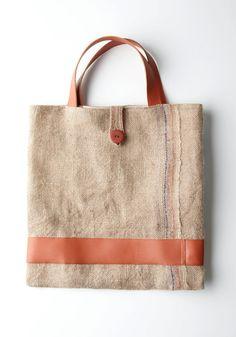 Burlap & Muslin Original Tote by v Burlap Bags, Jute Bags, Textiles, Sack Bag, Linen Bag, Patchwork Bags, Fabric Bags, Big Bags, Shopper Bag