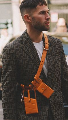 Best outfits of Milan Fashion Week street style day one MFW Milan Fashion Week Street Style, Cool Street Fashion, Street Style Looks, Leather Bag Pattern, Leather Belt Bag, Leather Accessories, Fashion Accessories, Mini Handbags, Men Street