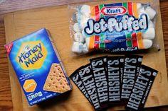 Deze marshmallow dip doet het PERFECT op feestjes of gewoon op de bank! Een gerecht om je vingers bij af te likken!