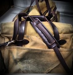 Love the look of this awesome Filson bag