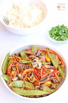 This colorful and delicious asian stir fry with mushrooms (ad), bell peppers, carrots, and snow peas is super healthy and so easy to make. It's the perfect vegetarian/vegan dinner to make for Meatless Mondays, but goes great with some chicken or egg added in, too! Maple Balsamic, Asian Stir Fry, Dinners To Make, Snow Peas, Sauteed Mushrooms, Vegetarian Options, Meatless Monday, Vegan Dinners