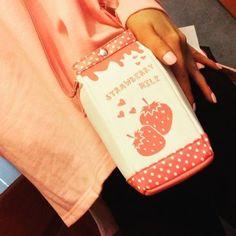 PRIMARK STRAWBERRY MILK CARTON GIRLS LADIES SHOULDER BAG PURSE NOVELTY KAWAII