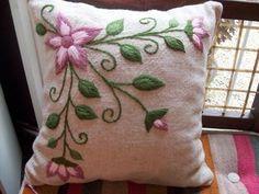 almohadones bordado con lana