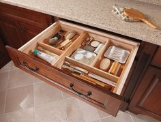 I've got to do this!!!!http://st.houzz.com/simgs/21c1c4620f3c2ce4_4-1239/traditional-bathroom.jpg